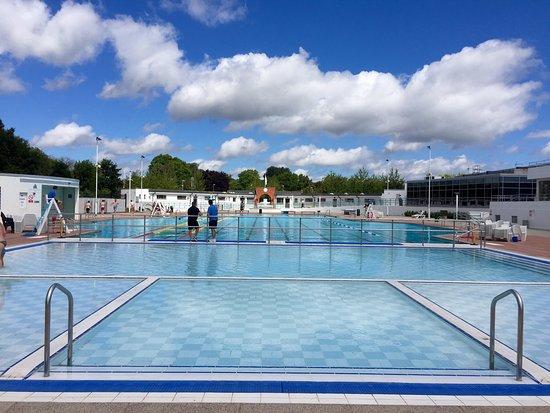 Hillingdon Leisure Centre pool